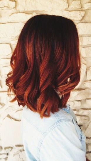 cabelo curto vermelho